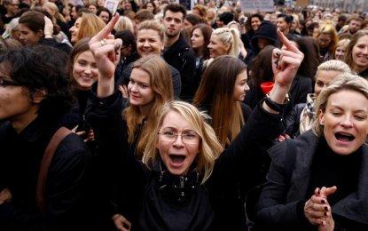 Las mujeres polacas contraatacan exitosamente a la Iglesia y al Estado sobre el derecho al aborto